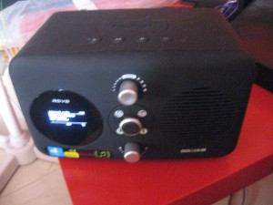 Revo Domino Internet radio