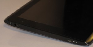 Acer Iconia Tab A500 left had side headphones and mini HDMI