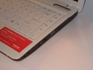 Toshiba Satellite L730 ultraportable right-hand-side