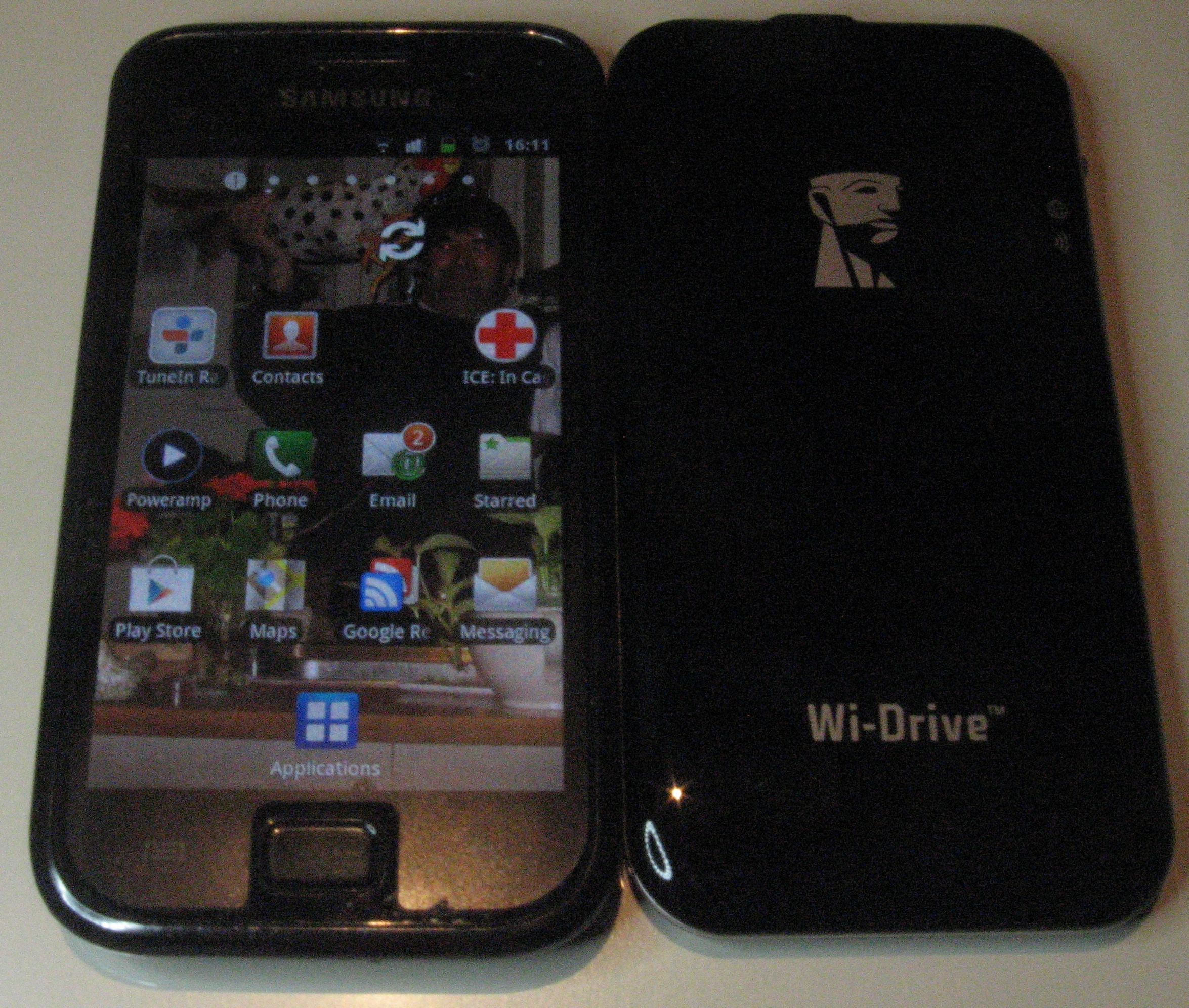 Kingston Wi-Drive and Android smartphone