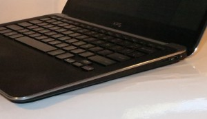 Dell XPS 13 Ultrabook right hand side - USB 2.0 port, DisplayPort