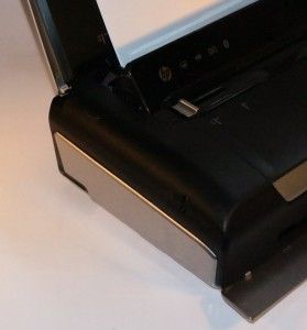 HP OfficeJet 150 mobile multifunction printer SDHC card slot
