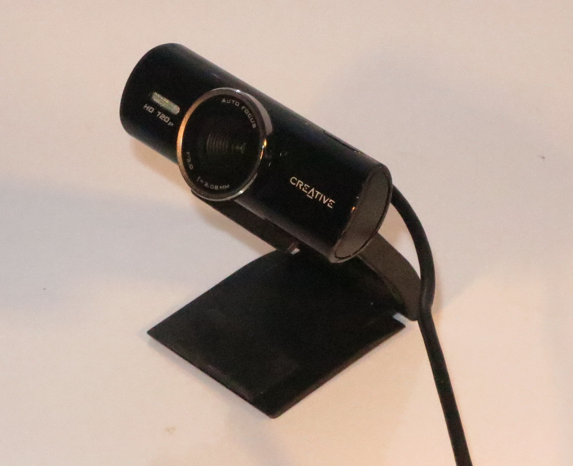 Creative Labs LiveCam Connect HD Webcam on base