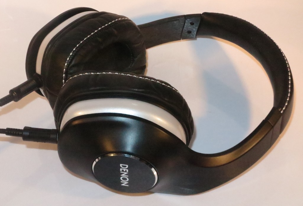 Denon MusicMainiac AH-D600 stereo audiophile headset