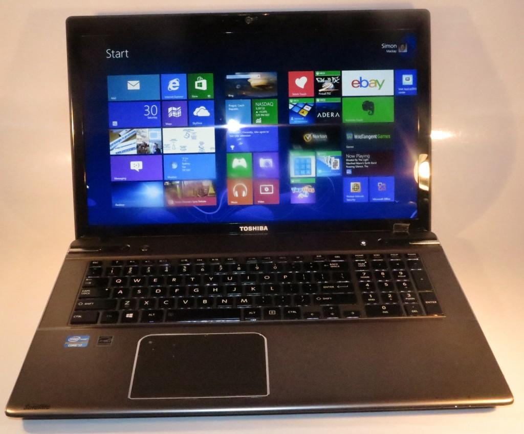 Toshiba Satellite P870 desktop-replacement laptop