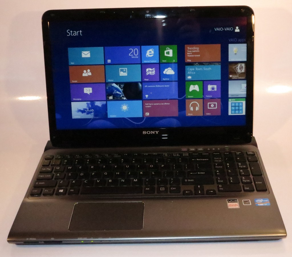 Sony VAIO E-Series mainstream laptop SVE15129CGS