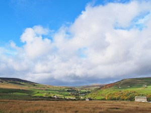 Yorkshire Dales By Kreuzschnabel (Own work) [CC-BY-SA-3.0 (http://creativecommons.org/licenses/by-sa/3.0), GFDL (http://www.gnu.org/copyleft/fdl.html) or FAL], via Wikimedia Commons