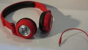 JBL Synchros E30 headphones - detachable cable
