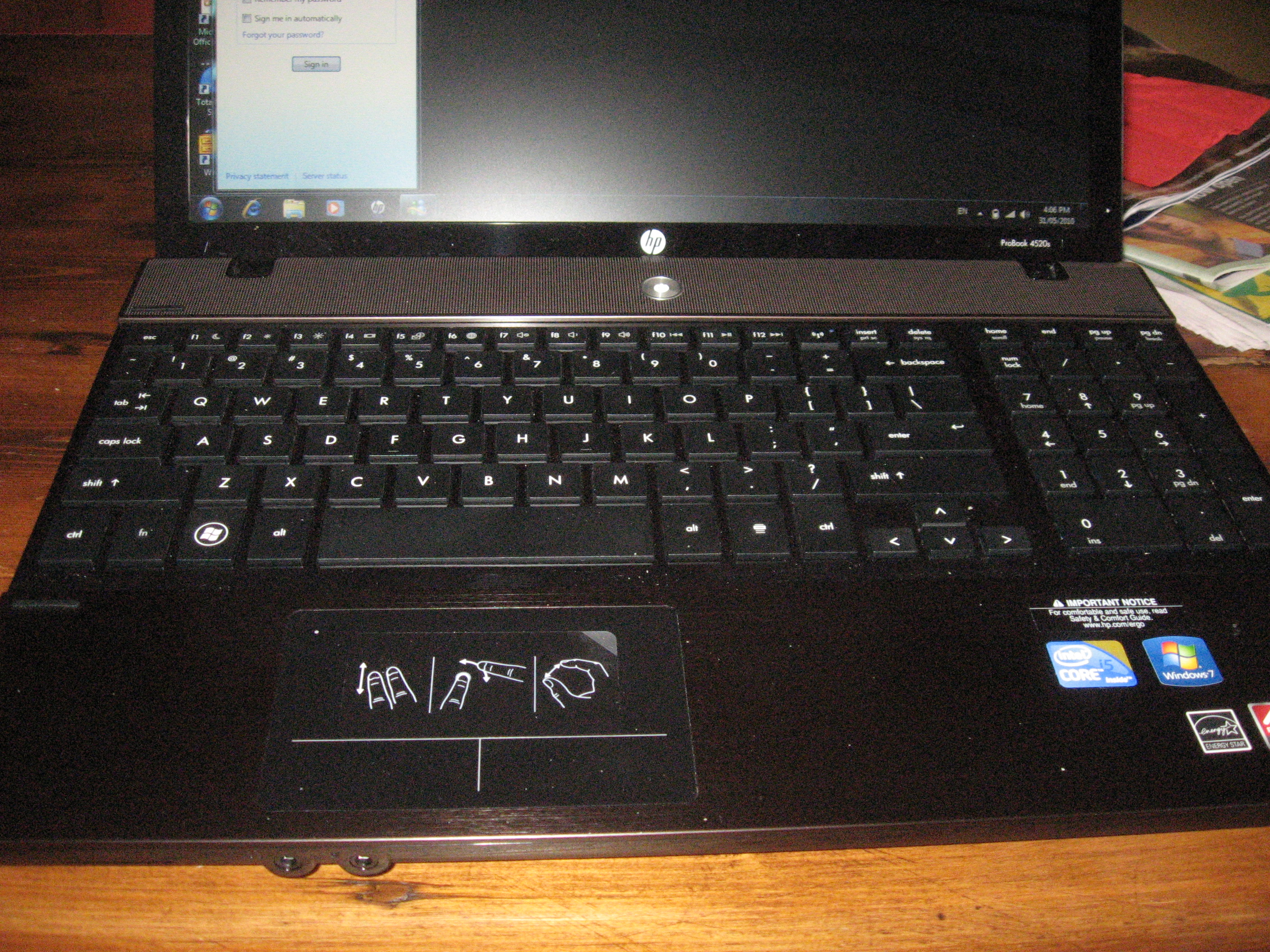 Laptop keyboard with numeric keypad