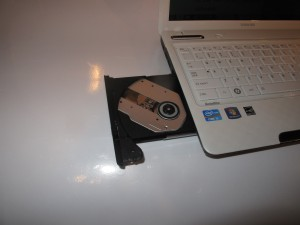 Toshiba Satellite L730 ultraportable DVD burner
