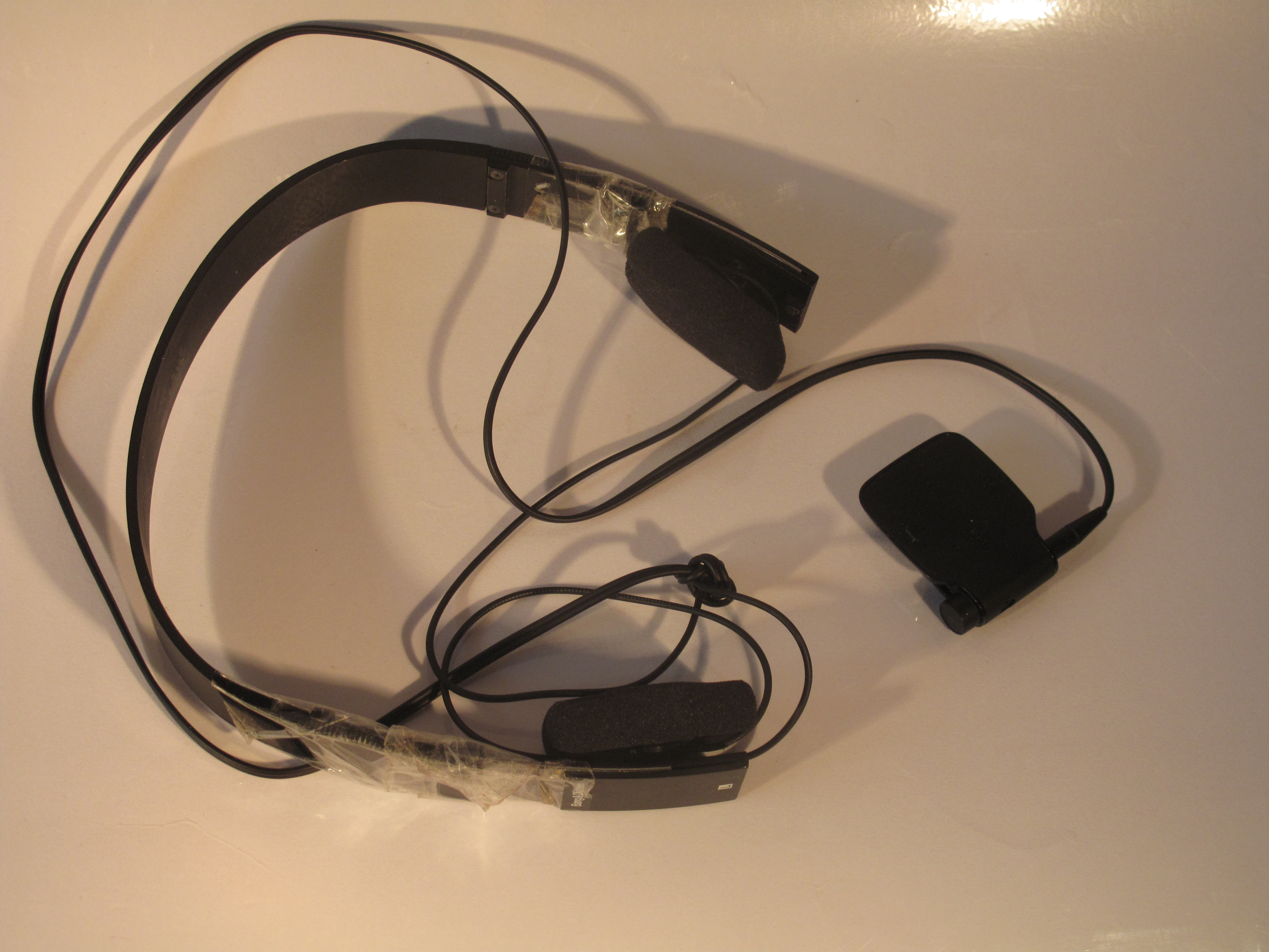 Nokia BH-111 headphone adaptor connected to headphones