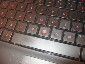HP dm4 BeatsAudio Edition laptop - keyboard detail on B key