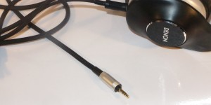 Denon MusicManiac AH-D600 headphones plug