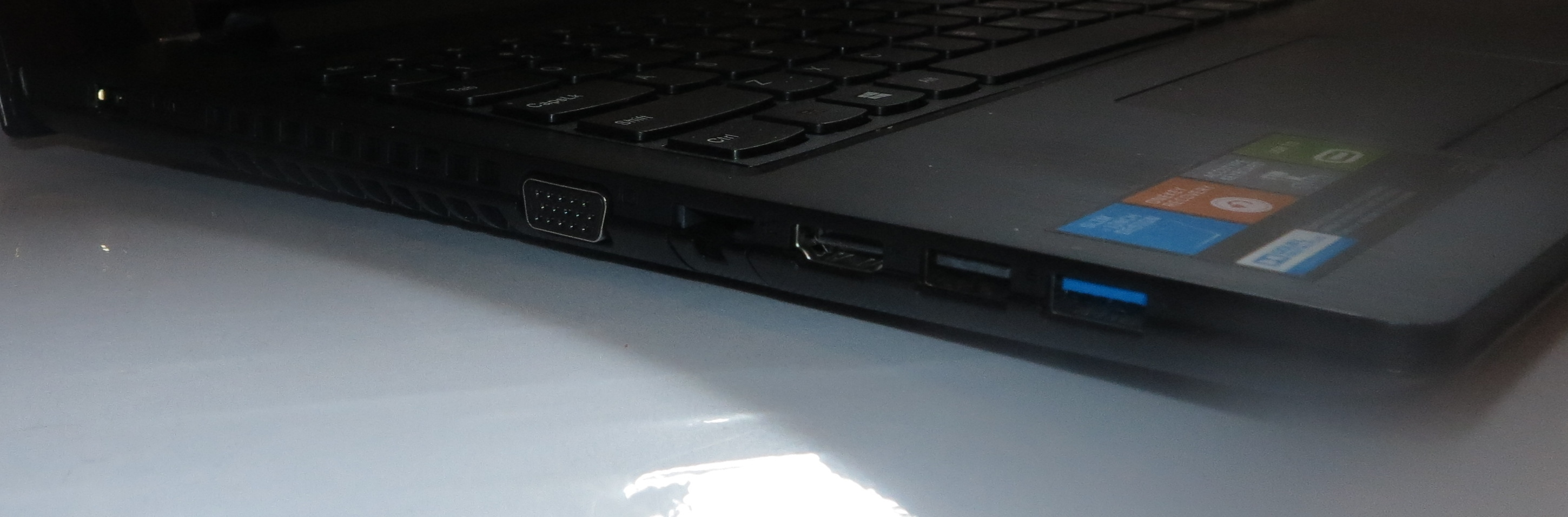 Lenovo Thinkpd G50 laptop - Left-hand-side view - VGA, Ethernet, HDMI, USB 3.0, USB 2.0