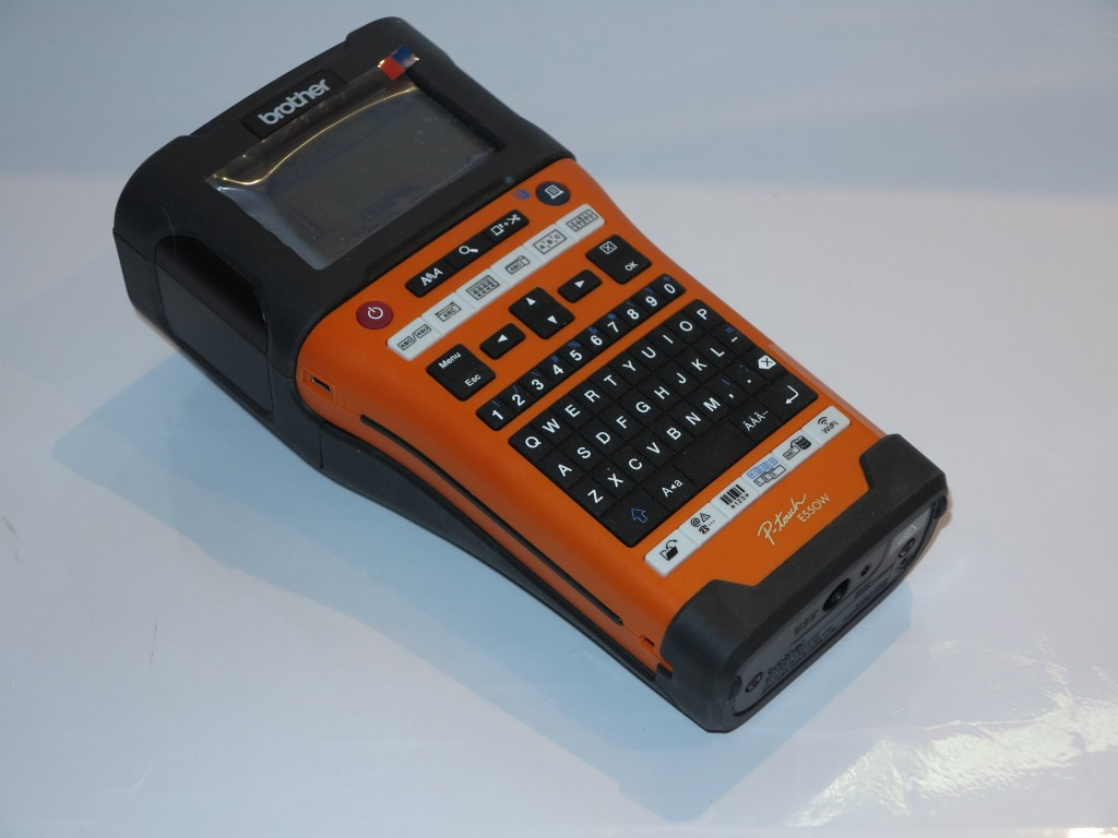 Brother PT-E550WVP handheld label writer