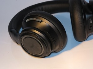 Plantronics BackBeat Pro Bluetooth noise-cancelling headset - right side earcup