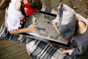 Lenovo Yoga Home 900 lifestyle image - press picture courtesy of Lenovo