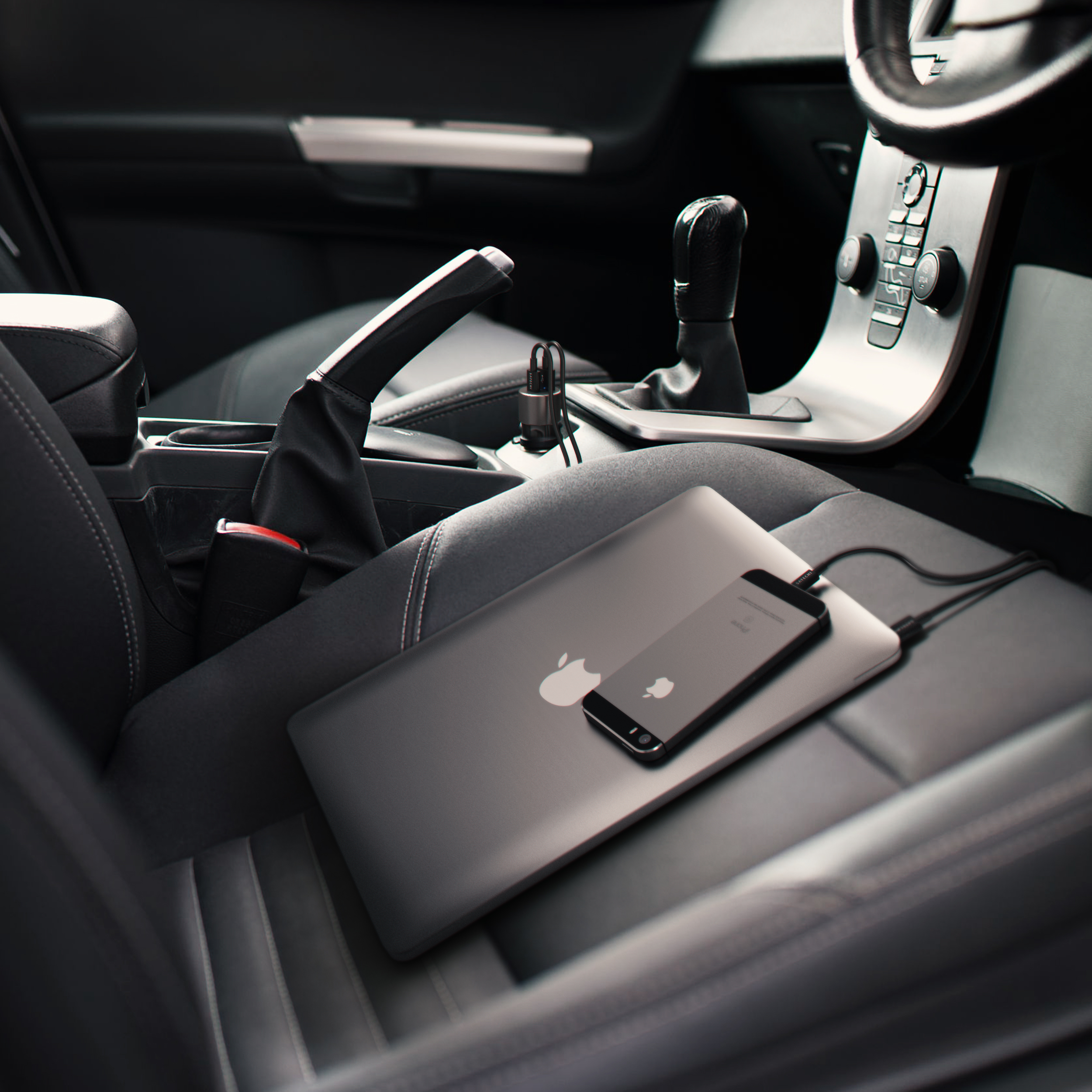 Satechi 72W USB-C car charger used in car - product image courtesy of MacGear Australia